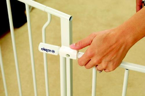 Regalo Easy Open Wide 47 Inch Gate, Includes 4-Inch Kit, Mount 4 Pack