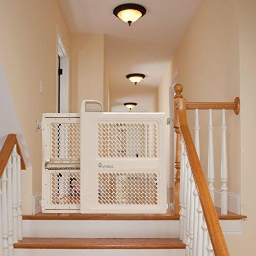 """Safety 1st Lift Lock And Swing Gate Fits Spaces between 28"""""""